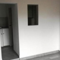 Primrose open plan bachelor flat to let for R2710 on Rietfontein Road