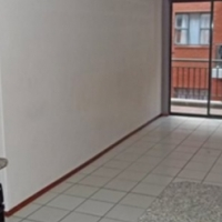 Milpark bachelor flat to rent
