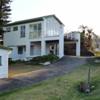 Glenmore Beach House available for the December Holiday