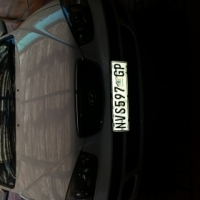 Hundai Elantra 1.6 2002  autormatic white excellent condtition by owner