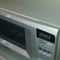 DEFY Microwave 1000W
