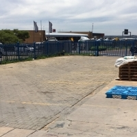 WAREHOUSE/OFFICES WITH OUTSIDE PARKING TO LET IN CENTURION