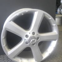 "ALL MERC OWNERS!!! 18"" ORIGINAL MERC MAGS & TYRES - TO FIT MERC INCL VITO & VIANO"
