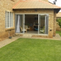 2 BEDROOM TOWNHOUSE FOR SALE IN ANNLIN