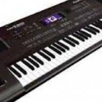 Roland E-500 keyboard
