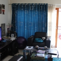 Modern and spacious 2 bedroom 1 bathroom to rent in Moregloed
