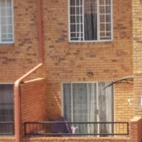 1 bedroom on second floor  apartment to let in PTA North closer to Rosslyn
