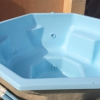 Pools, Ponds, Jacuzzis - Cleaning, Service and Maintenance