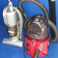 Vacuum cleaners Bagless Stick shark pro and electrolux 1400W