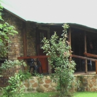 Lodge for sale on busy tourist route to Kruger National Park