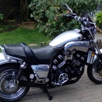 2000 YAMAHA V MAX CUSTOM 1200 TO SWOP FOR 1000cc AND UP SUPERBIKE OR SUPER TOURER.