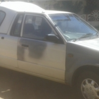 ford bantam bakkie 2001 model with canopy good condition