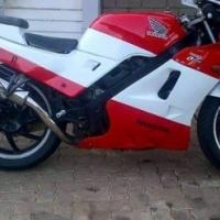 HONDA VFR400r MOTORBIKE