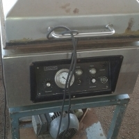 Industrial Vacuum-pack machine at give away price. Urgent sale