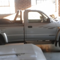 2001 TOYOTA HILUX 2.7i RAIDER RAISED BODY