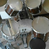 Yamaha drum kit for sale;