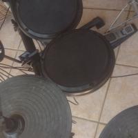 Alesis DM6 drumkit