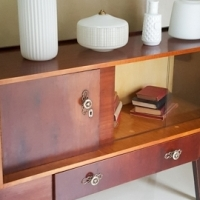 Gorgeous mid-century sideboard, good condition, few blemishes, cutlery drawer R2900