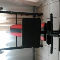 Maxed Bench press with 2 x 10kg weights and spin bar