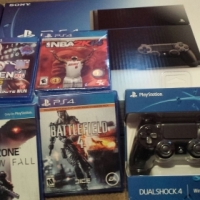 PS4 500GB Console + Camera + 2 x DualShock 4 Controller + 4 Games