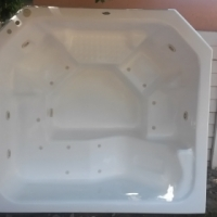 6 Seater Jacuzzi