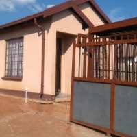 3bedroom house for sale in Soshanguve block UU