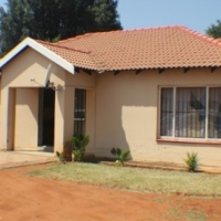 Charming 3-bedroom townhouse in Pretoria North for sale