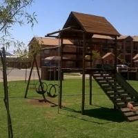 2 bedroom ground floor apartment to let in Nina Park, Akasia, Pretoria North