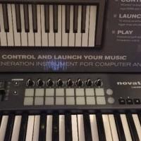 Novation Launchkey 25 Keyboard (Barely Used/Still in box)