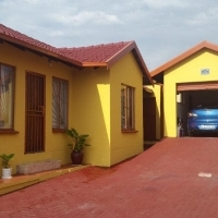 3 Bedroom House for sale in Birch Arces