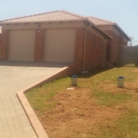 3 Bed 2 Bath houses to let in Thatchfield