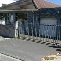 House FOR SALE-Belhar R999 000