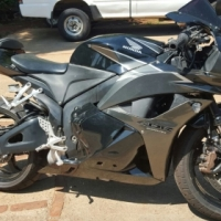 2010 Honda CBR600R bargain with only 1880km on clock!