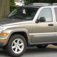 Jeep Cherokee KJ Windscreens and Door Glasses for sale  contact 076 427 8509 whatsapp 076 427 8509