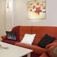 Beautifully Renovated 1 Bedroom Flat in the heart of Cape Towns City center