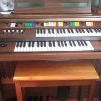 Kawai electric organ in very good condition