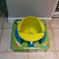 Snappi baby green and yellow seat - Please contact after 5pm during the week