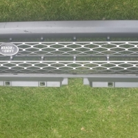 Original Landrover Freelander 2 Front Grill in good condition