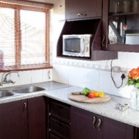 Kitchen cupboards and furniture for sale in durban junk for Kitchen cabinets gauteng