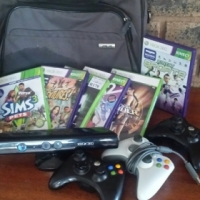 Xbox 360 4gig with 6 games, Kinect sensor, bag and 3 remotes, one of the remotes has a cable for sale  Pretoria North