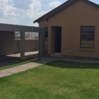 2/3 Bedrooms House For Sale