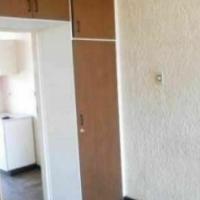 Braamfontein Juta Street open plan bachelor R3400