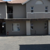 2 bedroom unit for sale in ferndale R619 000 close to absa ans std bank