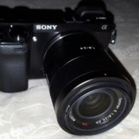 Sony Alpha NEX-7 camera , Sony Carl Zeiss Sonar T* E 24mm F1.8 ZA lens, used for sale  Centurion