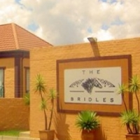 1 BACHELOR/ STUDIO AT BRIDLES IN SUNDOWNER-RANDBURG FOR SALE R430 000 NEG