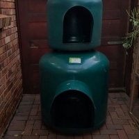 Small igloo dog kennel for sale
