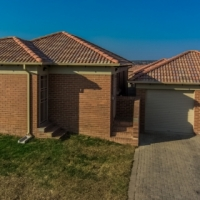 Stunning 3 Bed room Houses available for rental
