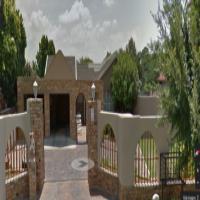 3 Slaapkamer huis in Flimieda, Klerksdorp. Perfekte ligging naby Spar en Skole!