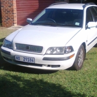 2004 volvo v40 2lt auto