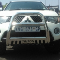 Selling stainless steel nudge bars for all bakkies & suv cars